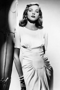 Actress Lauren Bacall, circa 1945 - Lauren Bacall's Best Fashion Looks Through the Years - Style Photos of Lauren Bacall - Elle