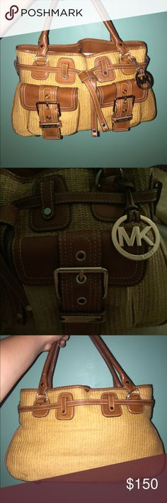 Straw Michael Kors Bag Your summer bag is here! Well-kept, medium sized straw Michael Kors bag Michael Kors Bags Shoulder Bags