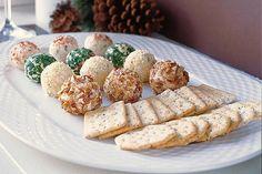 Oubliez les plateaux de fromages monotones: ces mini boules de fromage voleront la vedette à coup sûr! Il suffit de mélanger, de rouler et de servir. Pouvez-vous imaginer façon plus simple de ravir vos invités?                                                                                                                                                                                 Plus