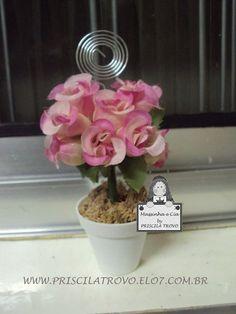 Árvore de flor em tecido no vaso.  Acompanha espiral porta fotos   Pedido mínimo: 20 unidades R$2,80