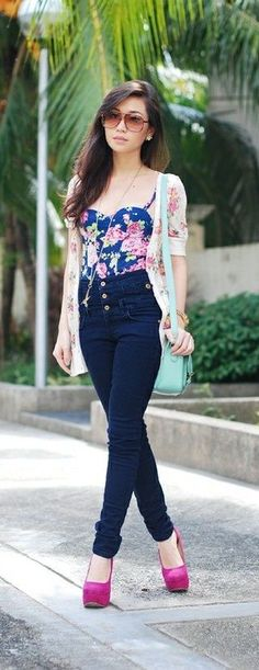 Cute high waisted jeans corset top outfit