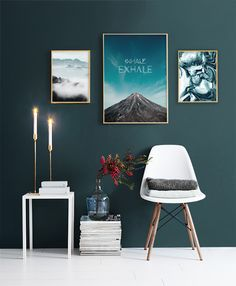 Find inspiration for creating a picture wall of posters and art prints. Endless inspiration for gallery walls and inspiring decor. Create a gallery wall with framed art from Desenio. Decor Room, Living Room Decor, Home Decor, Images Murales, Desenio Posters, Design Apartment, Living Room Pictures, Wall Pictures, Living Room Interior
