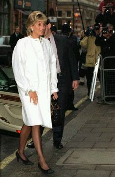 January 29 1996 Diana has lunch with the American Correspondents Association at Brown's Hotel in London