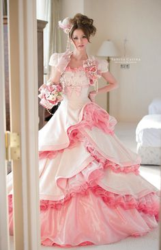 <3 saying this dress is beautiful doesn't cover it