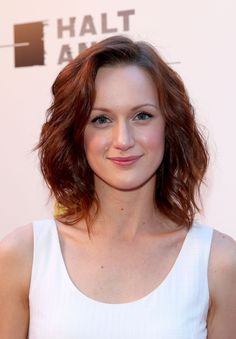 Kerry Bishé Pretty Redhead, Redheads Freckles, Woman Movie, Light Spring, In Hollywood, Comedians, Eye Candy, Hair Beauty, Actresses