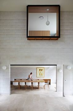 Richards and Spence Architects' Clayfield House adopts a unique architectural approach, focusing the design around a beautiful large central courtyard. Arch Interior, Interior And Exterior, Interior Windows, Courtyard House, Space Architecture, Lofts, Interiores Design, Exterior Design, Interior Inspiration