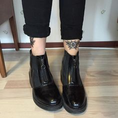 For Light and Fresh Look. Sock Shoes, Shoe Boots, Shoe Bag, Ankle Boots, Fall Winter 2017, Autumn Winter Fashion, Hypebeast, Top 10 Shoes, Grunge