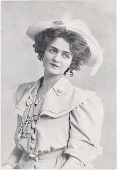 Lily Elsie – The Play Pictorial – 1906 Vintage Pictures, Old Pictures, Vintage Images, Vintage Ideas, Vintage Postcards, Victorian Women, Edwardian Era, Lily Elsie, Vintage Outfits
