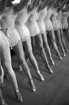 ballet dancers rehearse 1936 / alfred eisenstaedt