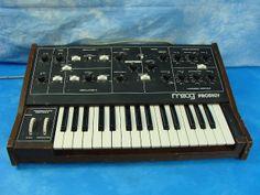 MATRIXSYNTH: Moog Prodigy Synthesizer 336A SN 7090