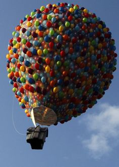 """Hot Air Balloon Modelled To Look Like The Flying House From """"Up!"""" Soars Across The Sky At The Bristol Balloon Fiesta - Imgur"""