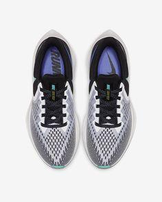 Nike Air Zoom Winflo 6 Women's Running Shoe. Nike.com Crossfit Challenge, Nike Running Shoes Women, Fluid Design, Air Zoom, Blue Fashion, Fun Workouts, Snug Fit, Nike Air, Vans