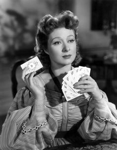 Born 1904 in Manor Park, East Ham, British-American actress Greer Garson was popular during the Second World War, being listed by the Motion. Golden Age Of Hollywood, Vintage Hollywood, Hollywood Glamour, Classic Hollywood, Hollywood Actresses, Darcy Pride And Prejudice, Greer Garson, Jane Austen Books, Elizabeth Bennet