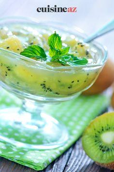 On peut réaliser des compotes avec différents fruits ! C'est le cas dans cette recette de compote de kiwis aux zestes de gingembre. #recette #cuisine #compote #fruit #kiwi #gingembre Cas