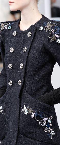 Chanel Fall 2016 Couture ριntєrєѕt: ❁ℓuxulƗrɑv❁  IG: @ℓuxuriousuℓƗrɑvıoℓeƗ LUXURIOUSULTRAVIOLET.com #luxuriousultraviolet