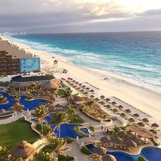The fabulous JW Marriott Cancun--one of Mexico's best beach resorts. Photo courtesy of hotcookiee on Instagram.