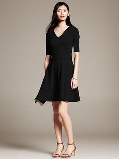 This perfect LBD (little black dress) from Banana Republic is made of soft and flattering ponte knit! #holiday #partydress #fashion