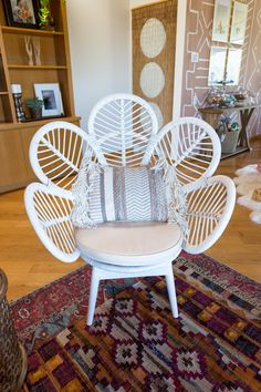 This white rattan butterfly chair is a boho home must-have!