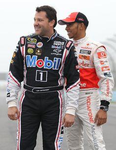 F1 Driver Lewis Hamilton And NASCAR Driver Tony Stewart Car Swap