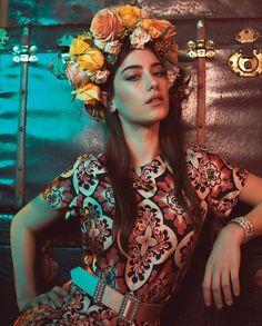 Hazal Kaya Celebrity Wallpapers, Celebrity Photos, Book Cover Background, Turkey Fan, Joker Art, Instyle Magazine, Cosmopolitan Magazine, Unicorn Art, Actrices Hollywood