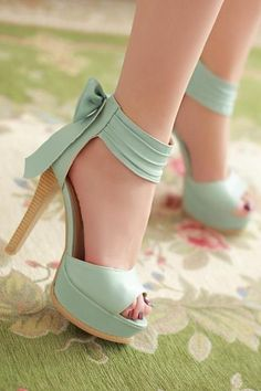women high heels platform pumps bowknot ankle boots = 1945715908 from Bling Bling Deals. Pretty Shoes, Beautiful Shoes, Cute Shoes, Me Too Shoes, Fab Shoes, Mode Rockabilly, Roman Fashion, Princess Shoes, Bow Heels