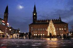 Christmas tree at Radhuspladsen (c)Copenhagen tourism Christian Alsing