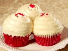 Diabetic Recipe: Red Velvet Cupcakes with Cream Cheese Frosting