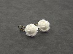 Snow White Rose earrings by NostalgischeRomantik on Etsy, €4.90