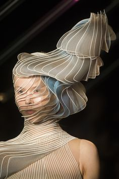 Iris Van Herpen Fall 2018 Couture Fashion Show Details. All the Fall 2018 Couture fashion shows from Paris Couture Fashion Week in one place.