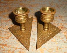 Candelieri d'epoca, in ottone, candelieri, portacandele piccolo, geometrica, cono, in ottone massiccio, Set di due