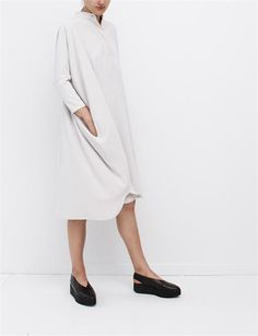 by Maison Martin Margiela Wide Fluid Dress- Chalk and flat shoes! Minimal Fashion, White Fashion, Looks Style, Style Me, Minimalist Wardrobe, Facon, Personal Style, Street Style, Style Inspiration