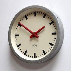 EAST GERMAN 1960s Vintage Retro Modernist Industrial Factory Office Clock