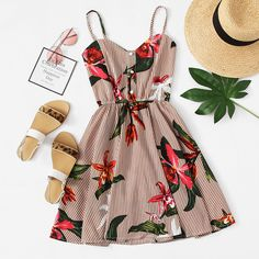 Striped Floral Print Shirred Back Cami Dress amei esta estampa Cute Casual Outfits, Cute Summer Outfits, Spring Outfits, Simple Dresses, Pretty Dresses, Casual Dresses, Teen Fashion Outfits, Girl Outfits, Fashion Dresses