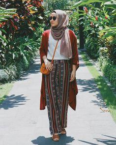 Bohemian Style Hijab Boho Bohemian style hijab , hijab im bohème-stil , hijab de style bohème , Hijab Fashion Summer, Modern Hijab Fashion, Street Hijab Fashion, Hijab Fashion Inspiration, Islamic Fashion, Muslim Fashion, Boho Fashion, Fashion Outfits, Hijab Casual
