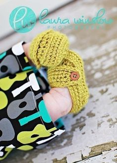 Crochet baby shoes Free