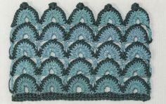 Two-toned-crochet-fan-stitch-1