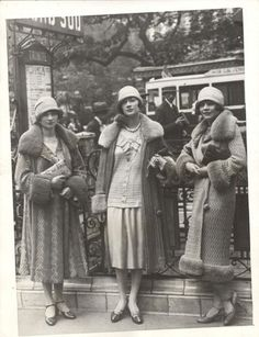 In 1925 the singing and dancing Brox Sisters visited Paris. From kittyinva@tumblr.com