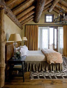 Rustic cabin bedroom decorating ideas rustic bedroom decor cozy rustic bedroom design ideas for decor plan Log Home Bedroom, Master Bedroom, Cozy Bedroom, Dream Bedroom, Bedroom Romantic, Bedroom Red, Master Suite, Rustic Bedroom Design, Bedroom Designs
