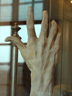 """RODIN Auguste,1886 - La Main Gauche de Pierre ou Jacques de Wissant (Louvre) - TAGS / art sculptor sculpteur details détail détails detalles sculpture sculptures 19th 19e """"sculpture 19e"""" """"19th-century sculptures"""" """"19th century"""" Louvre Musée Museum """"Auguste Rodin"""" Auguste Rodin sculptor sculpteur """"terre cuite"""" terracotta hand main hands"""