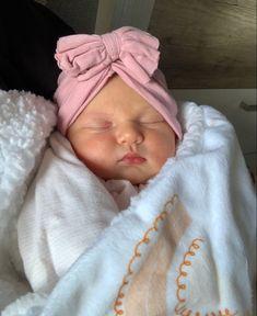 Cute Little Baby, Cute Baby Girl, Little Babies, Cute Babies, Baby Kids, Cute Kids Pics, Cute Baby Pictures, Baby Barbie, Baby Tumblr