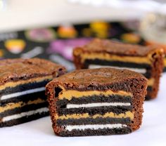Oreo and Peanut Butter Brownie Cakes http://www.handimania.com/cooking/oreo-and-peanut-butter-brownie-cakes.html