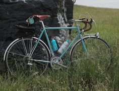 turquoise 1985 Shogun 2000 touring bike