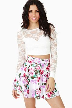New Bloom Skater Skirt in Clothes Bottoms Skirts at Nasty Gal Crop Top Outfits, Skirt Outfits, Cute Outfits, Summer Outfits, Party Outfits, Trendy Outfits, Skater Skirt Outfit, Dress Skirt, Skater Skirts