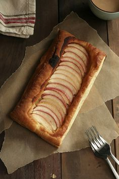 {easy maple apple tart}