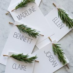 10 DIY Christmas Place Cards for Your Holiday Table - PureWow Thanksgiving Place Cards, Hosting Thanksgiving, Thanksgiving Ideas, Diy Place Cards, Diy Cards, Diy Wedding Place Cards, Rustic Place Cards, Wedding Places, Menu Cards