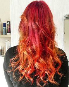 20 Photos That Prove Sunset Color Is the Most Romantic Kind of Rainbow Hair Sunset hair color is the Latest Hairstyles, Pretty Hairstyles, Wavey Hair, Ombre Hair, Sunset Hair, Straight Weave Hairstyles, Gorgeous Hair Color, Short Hair Wigs, Homecoming Hairstyles