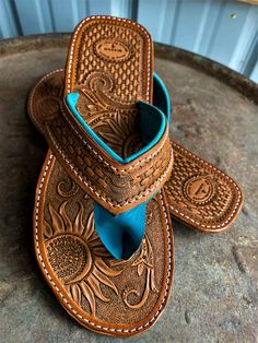 Custom Order Hand Made Leather Cowgirl Flip Flops. Shoes by springcreeksaddlery on Etsy Leather Carving, Leather Art, Leather Design, Leather Tooling, Tooled Leather, Leather Working Patterns, Leather Flip Flops, Flip Flop Sandals, Flat Sandals