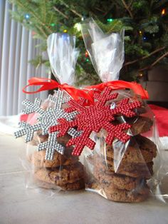 Cookie Exchange Package Idea - Pastry bags with ribbon and an ornament