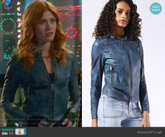 Clary's blue leather jacket with zipped pockets. Outfit Details: https://wornontv.net/65944/ #Shadowhunters