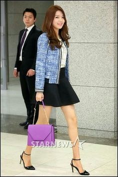 Sooyoung Tweed jacket Victorian blouse Black flare skirt Pointy toe sandals